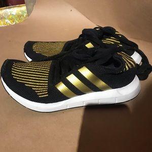 Adidas Originals woman's swift w running shoe